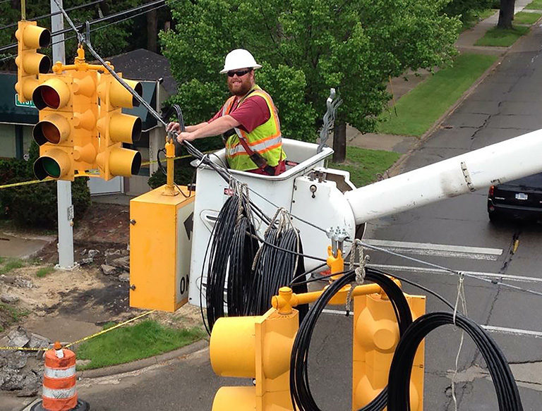 Installing & maintaining traffic signals and ITS