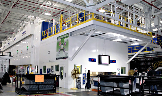 FCA US LLC Warren Stamping Komatsu Press Installation