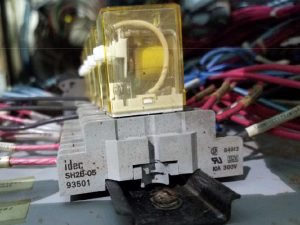 IDEC Relay Socket